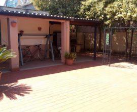 RIF: A115 Villetta in Via Appia, nelle vicinanze dell'ospedale