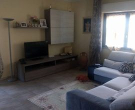 RIF.: A121 Appartamento sito in zona tranquilla e ben servita