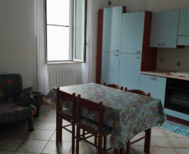 Rif: A158- Appartamento ristrutturato, con vista mare