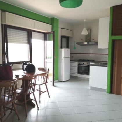 RIF: A212 Via ARENE, in zona servita e riservata, appartamento con terrazzo di 100 mq.